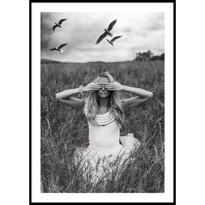 WOMAN IN A FIELD - Poster 50x70 cm